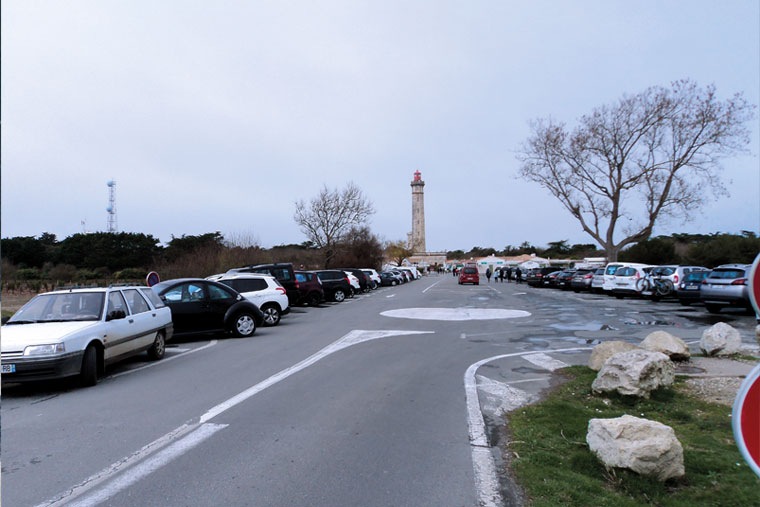 photo du parking du phare des baleines